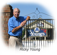 youngs-auto-parts-ricky-young-at-gate